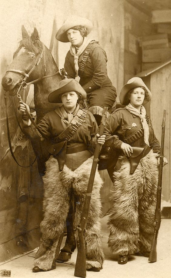 Cowgirls with guns & woolies